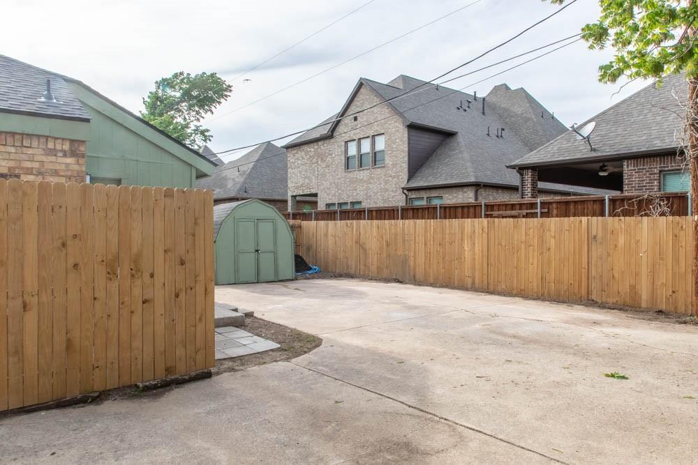 807 Windcrest  Drive, Keller, Texas 76248 - acquisto real estate best frisco real estate agent amy gasperini panther creek realtor