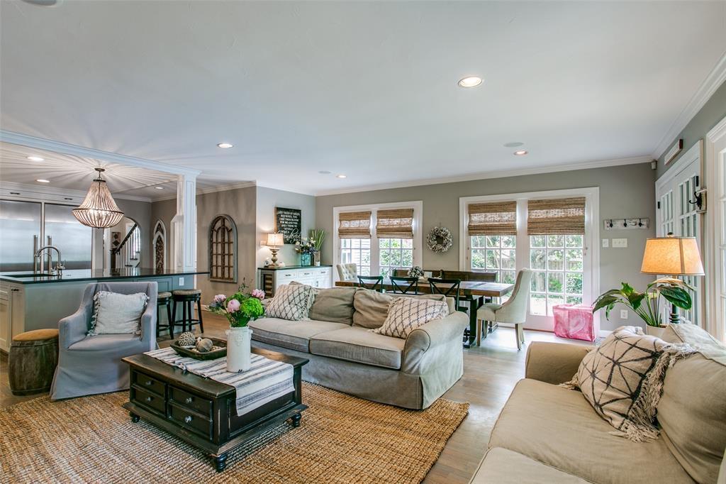 6738 Avalon  Avenue, Dallas, Texas 75214 - acquisto real estate best style realtor kim miller best real estate reviews dfw