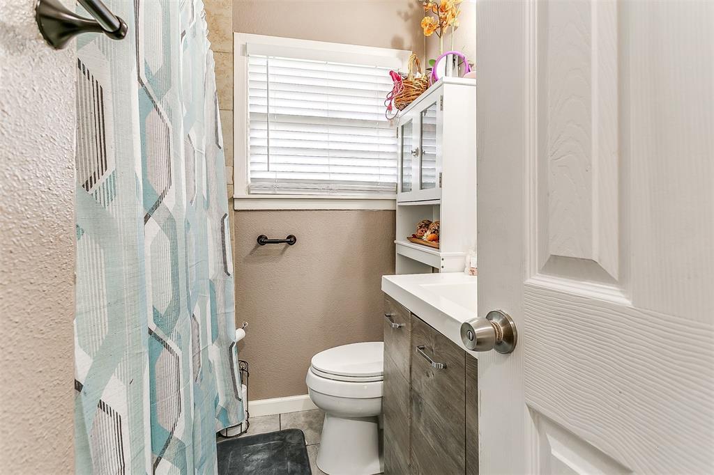 2214 Ridgeway  Street, Arlington, Texas 76010 - acquisto real estate best style realtor kim miller best real estate reviews dfw