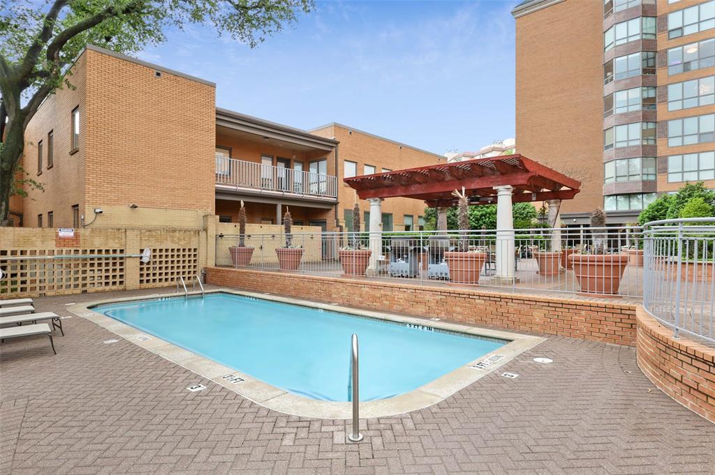 4242 Lomo Alto  Drive, Dallas, Texas 75219 - acquisto real estate best realtor dfw jody daley liberty high school realtor