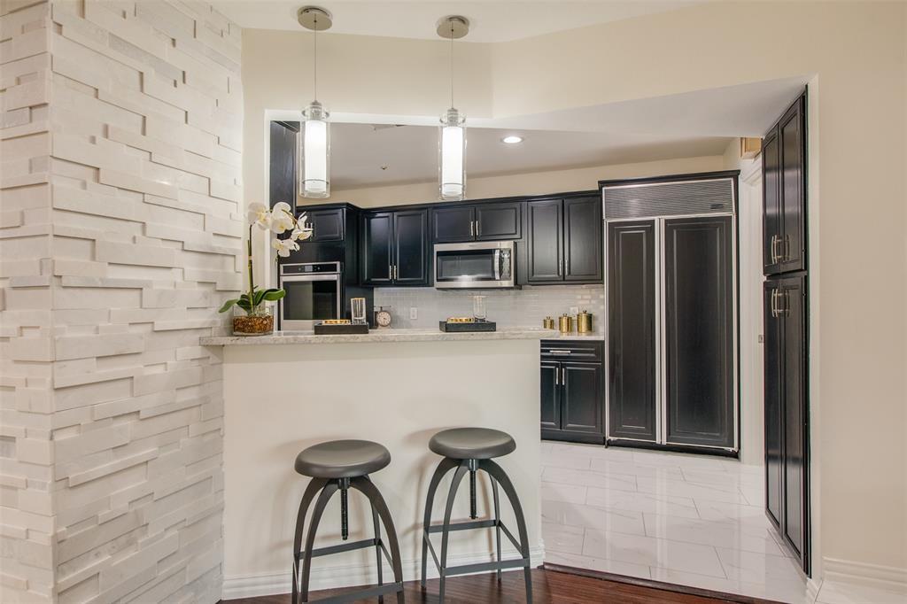 6339 Crestmont  Drive, Dallas, Texas 75214 - acquisto real estate best highland park realtor amy gasperini fast real estate service