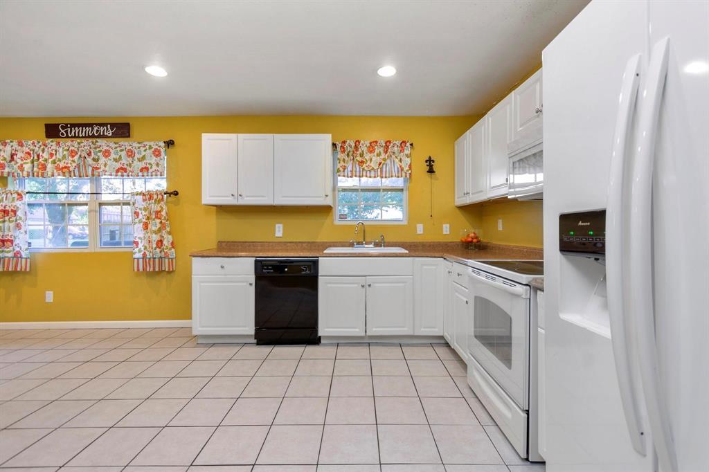 5701 Hanson  Drive, Watauga, Texas 76148 - acquisto real estate best realtor westlake susan cancemi kind realtor of the year
