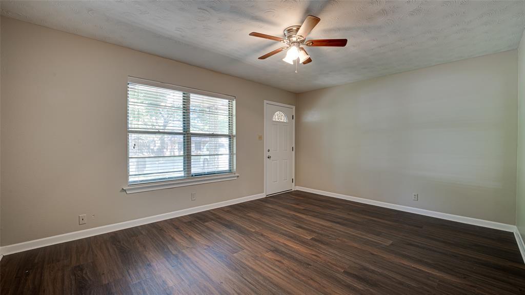 1508 Nichols  Street, Ennis, Texas 75119 - acquisto real estate best listing listing agent in texas shana acquisto rich person realtor
