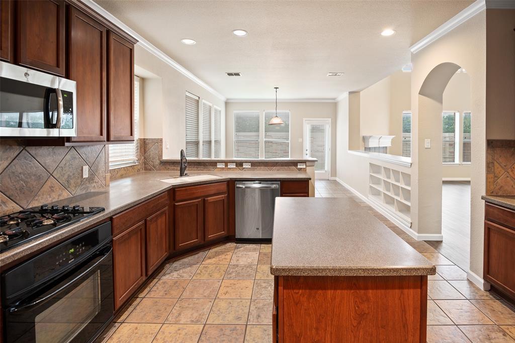3909 Miramar  Drive, Denton, Texas 76210 - acquisto real estate best highland park realtor amy gasperini fast real estate service
