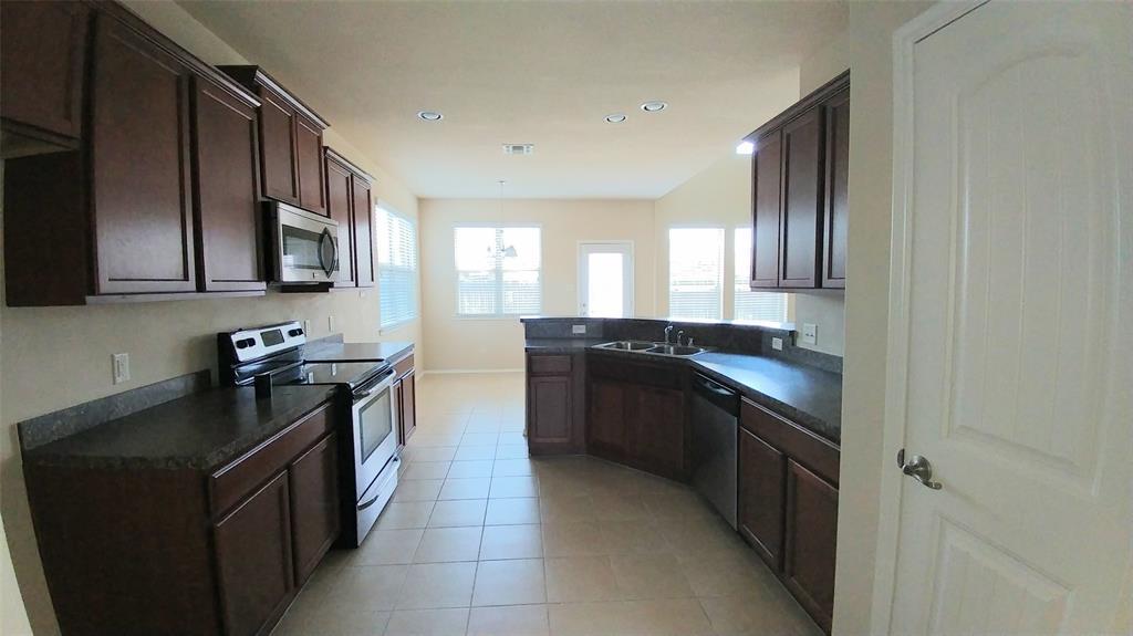 3020 Lake Ridge  Drive, Sanger, Texas 76266 - acquisto real estate best the colony realtor linda miller the bridges real estate