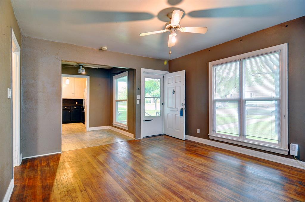 4921 Pershing  Avenue, Fort Worth, Texas 76107 - acquisto real estate best flower mound realtor jody daley lake highalands agent of the year
