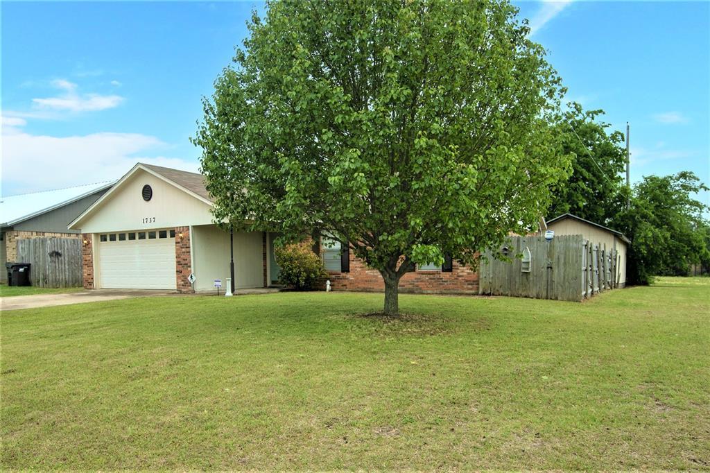 1737 Northwood  Boulevard, Corsicana, Texas 75110 -