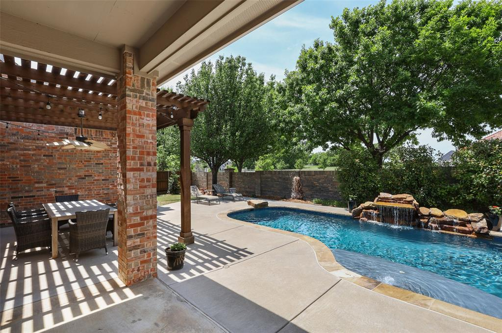 3437 Courtney  Drive, Flower Mound, Texas 75022 - acquisto real estate agent of the year mike shepherd