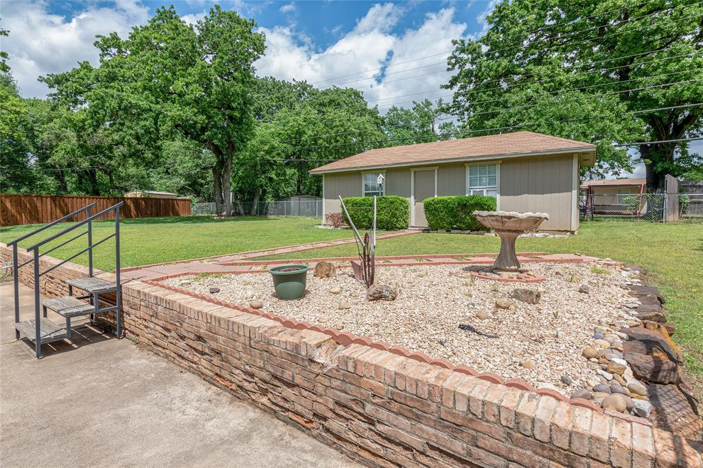 22 Shadowbrook  Lane, Hurst, Texas 76053 - acquisto real estate best photo company frisco 3d listings