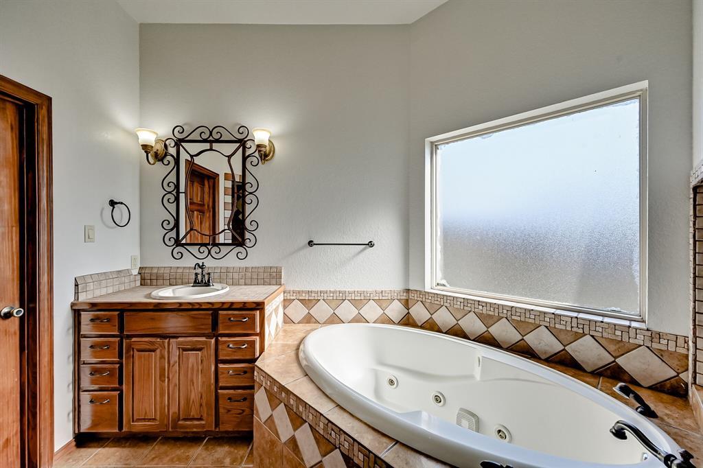 7431 Drury Cross  Road, Burleson, Texas 76028 - acquisto real estate best new home sales realtor linda miller executor real estate