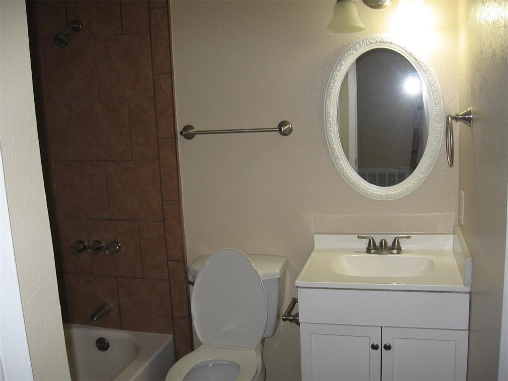 1818 Bosque  Drive, Garland, Texas 75040 - acquisto real estate best new home sales realtor linda miller executor real estate