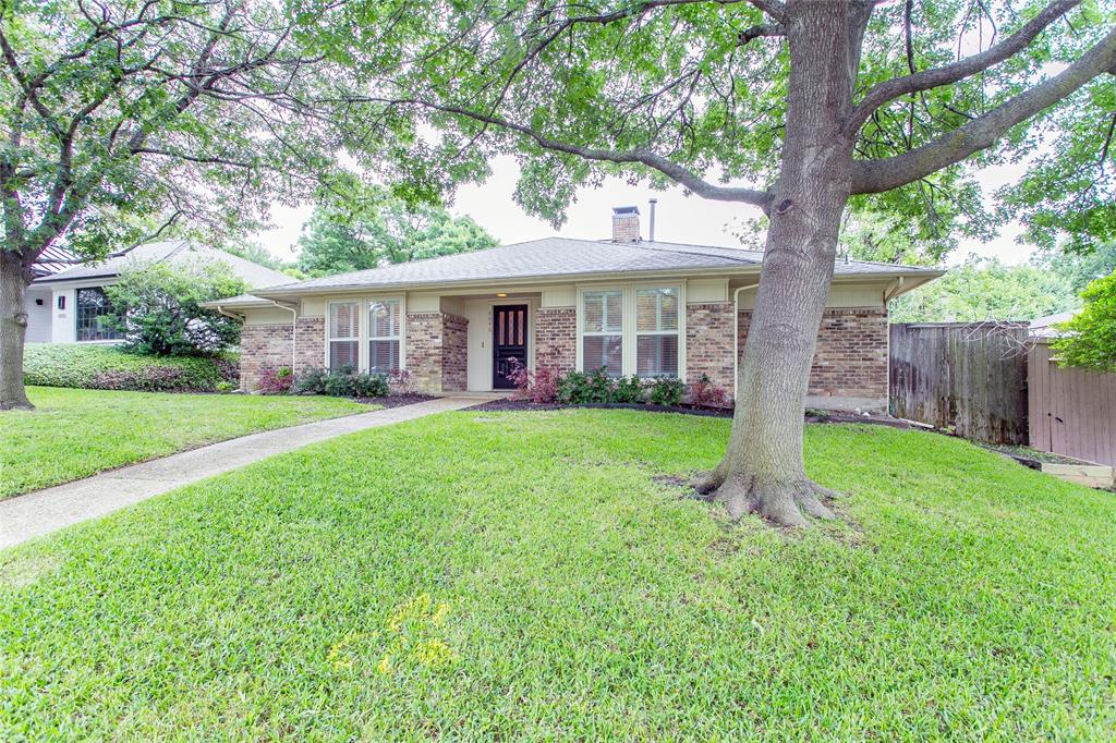 8046 Moss Meadows  Drive, Dallas, Texas 75231 - Acquisto Real Estate best plano realtor mike Shepherd home owners association expert