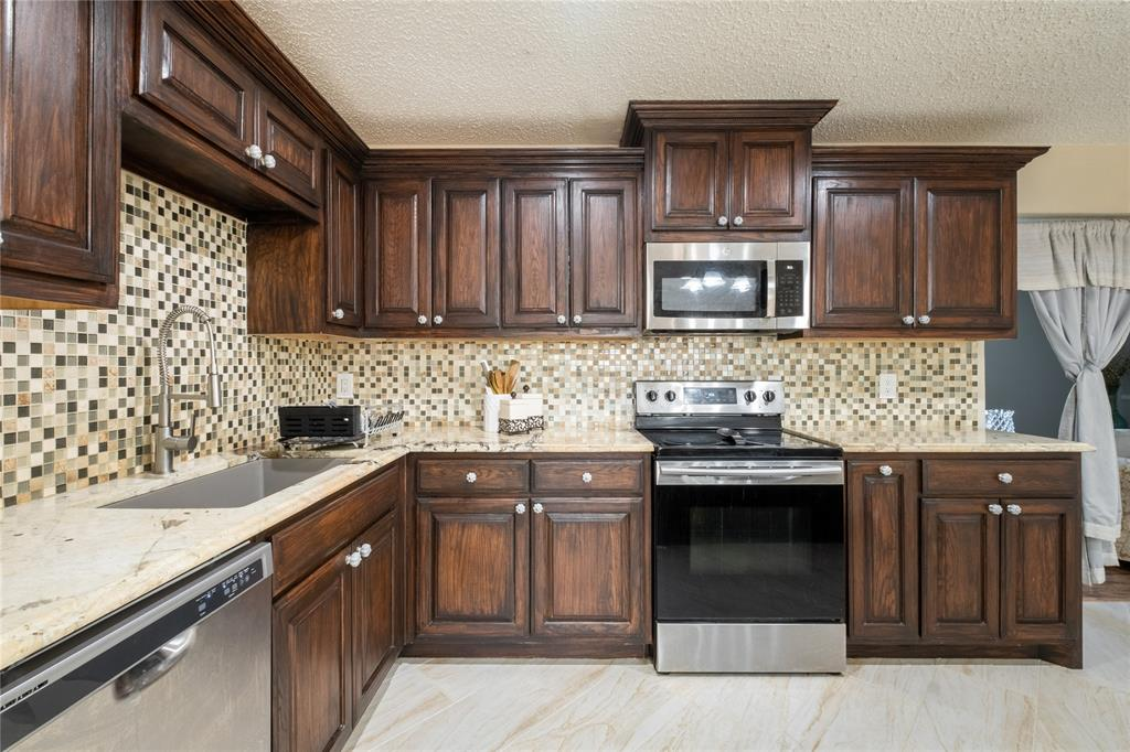 2718 Ivanridge  Lane, Garland, Texas 75044 - acquisto real estate best the colony realtor linda miller the bridges real estate