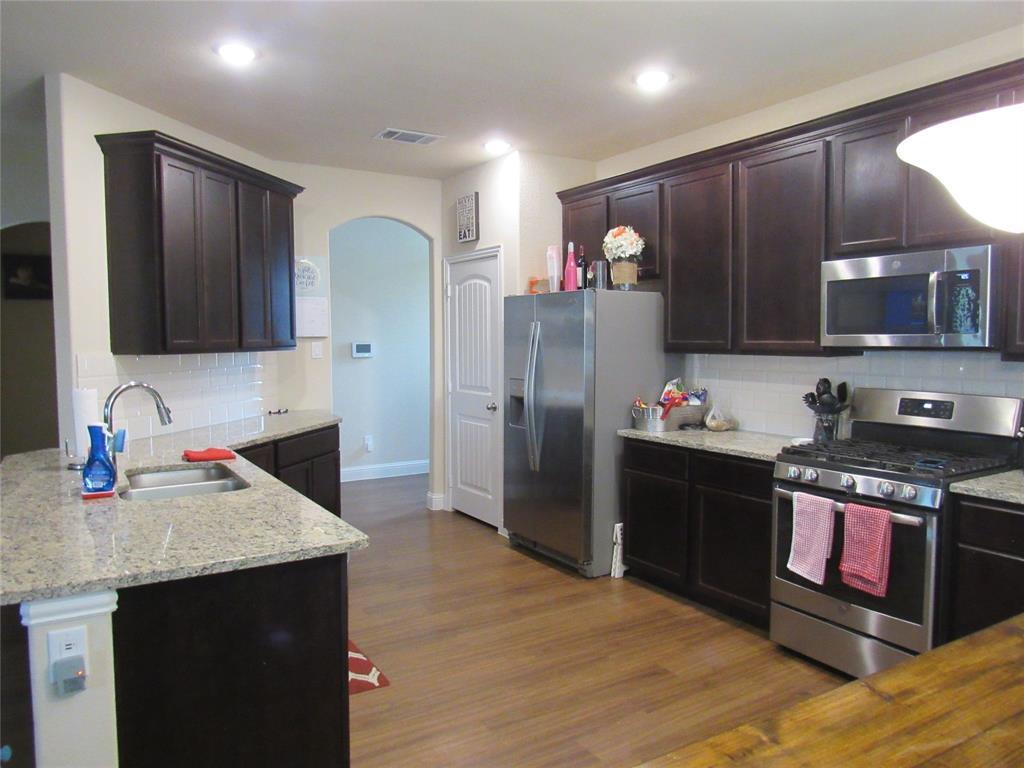 1438 Blue Bonnett  Boulevard, Gainesville, Texas 76240 - acquisto real estate best allen realtor kim miller hunters creek expert