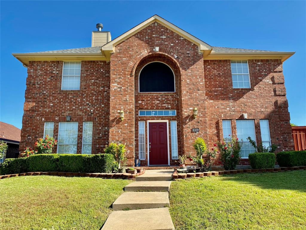 1139 Holly  Drive, Carrollton, Texas 75010 - Acquisto Real Estate best plano realtor mike Shepherd home owners association expert