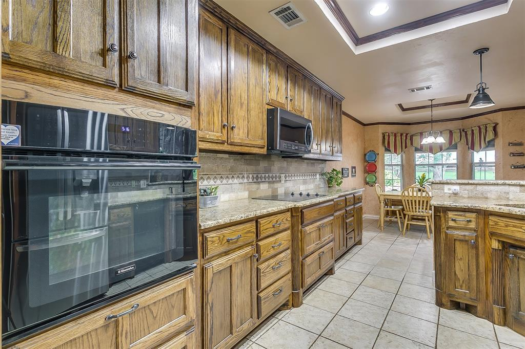 532 Forest Edge  Street, Burleson, Texas 76028 - acquisto real estaet best boutique real estate firm in texas for high net worth sellers