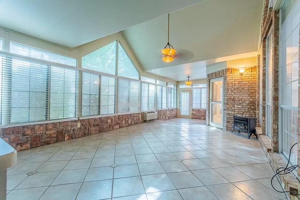 6308 Fannin  Drive, Arlington, Texas 76001 - acquisto real estate best looking realtor in america shana acquisto
