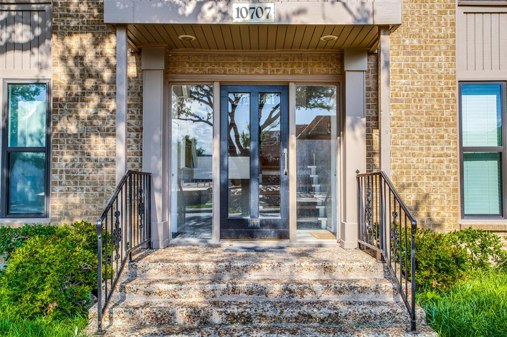 10707 Park Village  Place, Dallas, Texas 75230 - Acquisto Real Estate best plano realtor mike Shepherd home owners association expert
