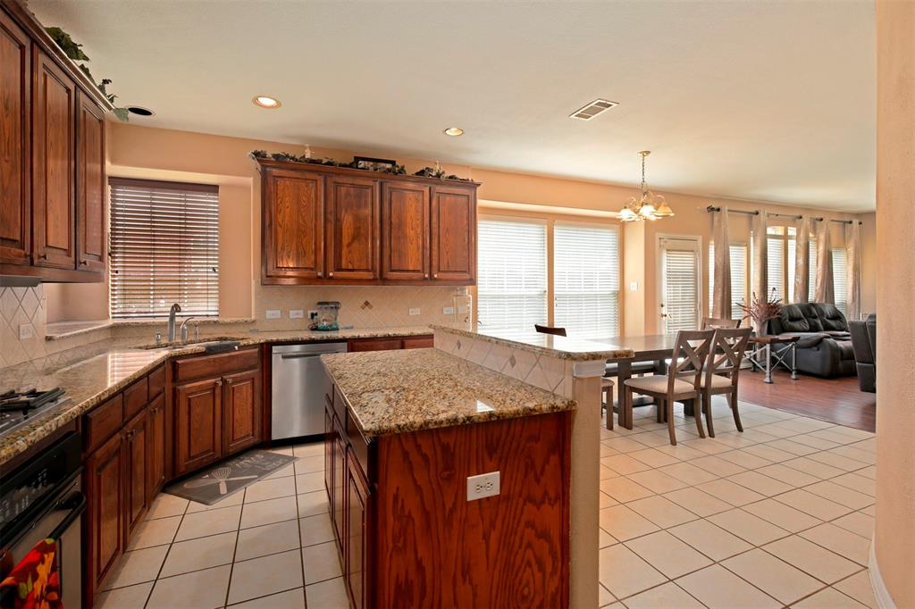 1226 Nocona  Drive, Irving, Texas 75063 - acquisto real estate best real estate company to work for