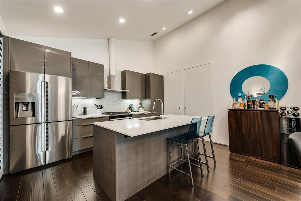 4711 Live Oak  Street, Dallas, Texas 75204 - acquisto real estate best photos for luxury listings amy gasperini quick sale real estate