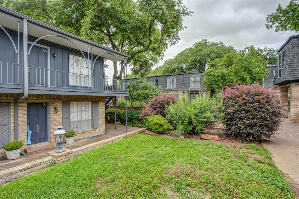 5018 Les Chateaux  Drive, Dallas, Texas 75235 - Acquisto Real Estate best plano realtor mike Shepherd home owners association expert