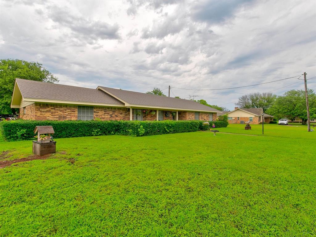 401 Wilson  Avenue, Whitney, Texas 76692 - Acquisto Real Estate best plano realtor mike Shepherd home owners association expert