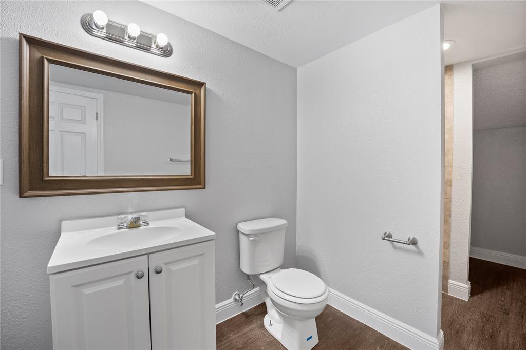 3138 Ramsey  Avenue, Dallas, Texas 75216 - acquisto real estate best real estate company to work for