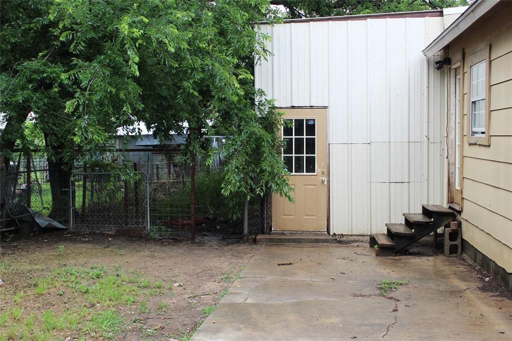 200 Lennox  Street, Stephenville, Texas 76401 - acquisto real estate best style realtor kim miller best real estate reviews dfw