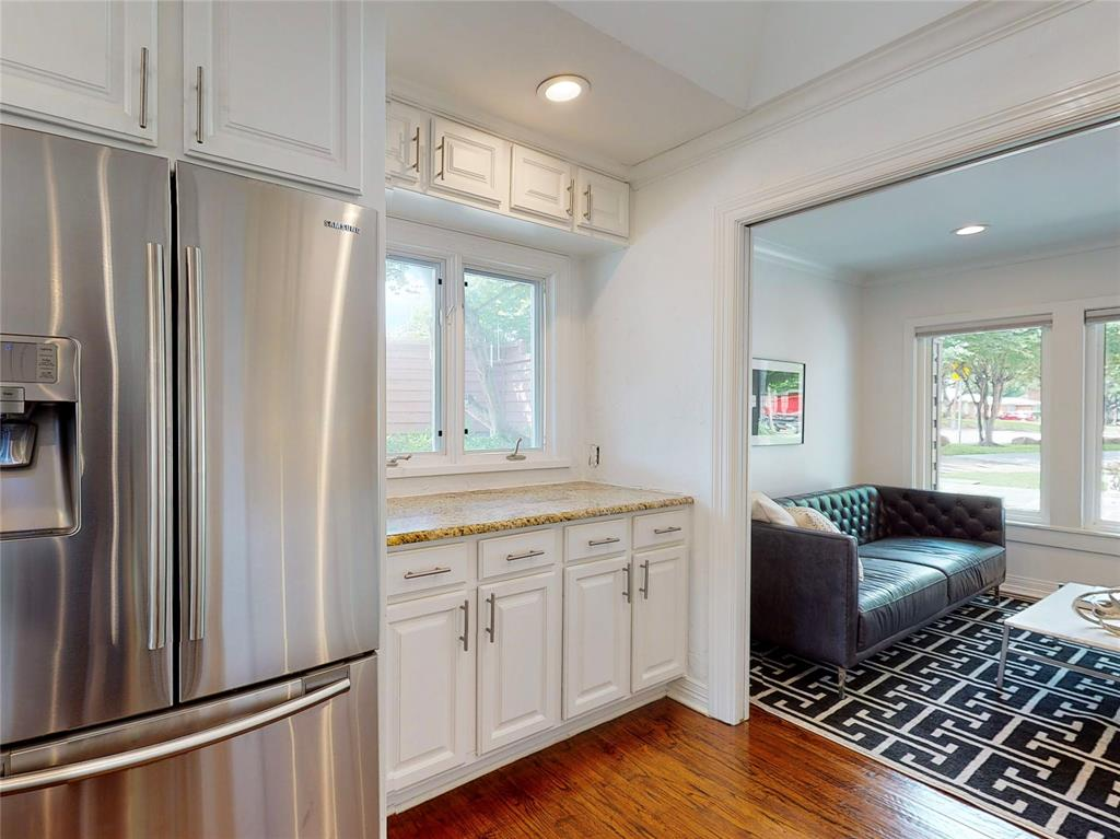 6602 Yosemite  Lane, Dallas, Texas 75214 - acquisto real estate best new home sales realtor linda miller executor real estate