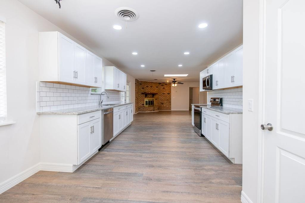 1517 Fernwood  Drive, Plano, Texas 75075 - acquisto real estate best real estate company to work for