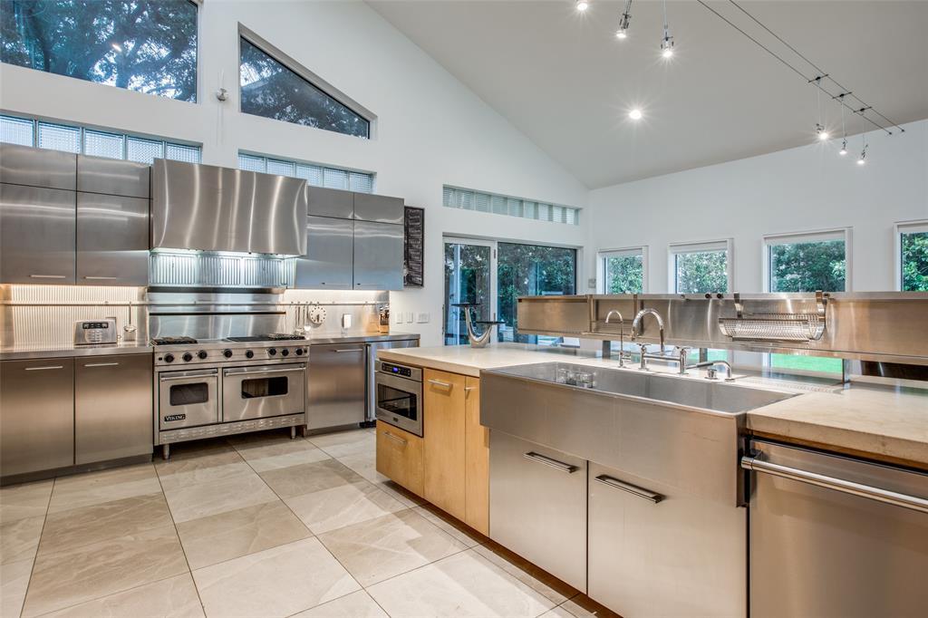 4322 Williamsburg  Road, Dallas, Texas 75220 - acquisto real estate best new home sales realtor linda miller executor real estate