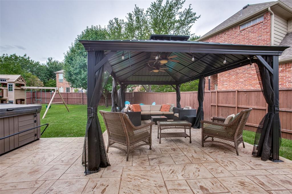 1516 Hunters Creek  Drive, McKinney, Texas 75072 - acquisto real estate best realtor foreclosure real estate mike shepeherd walnut grove realtor