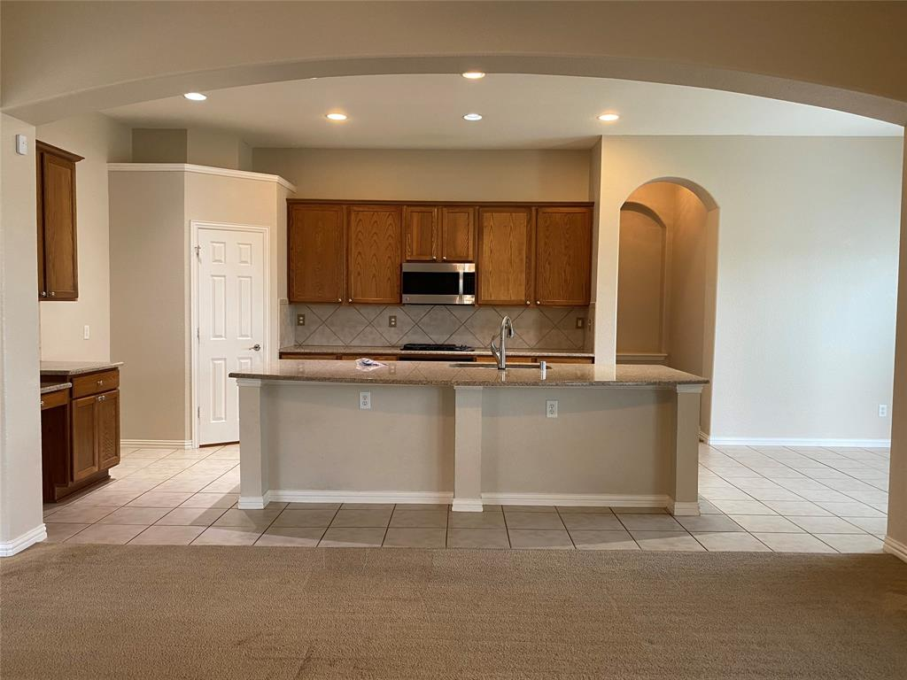 107 Lorient  Drive, Mansfield, Texas 76063 - acquisto real estate best real estate company to work for