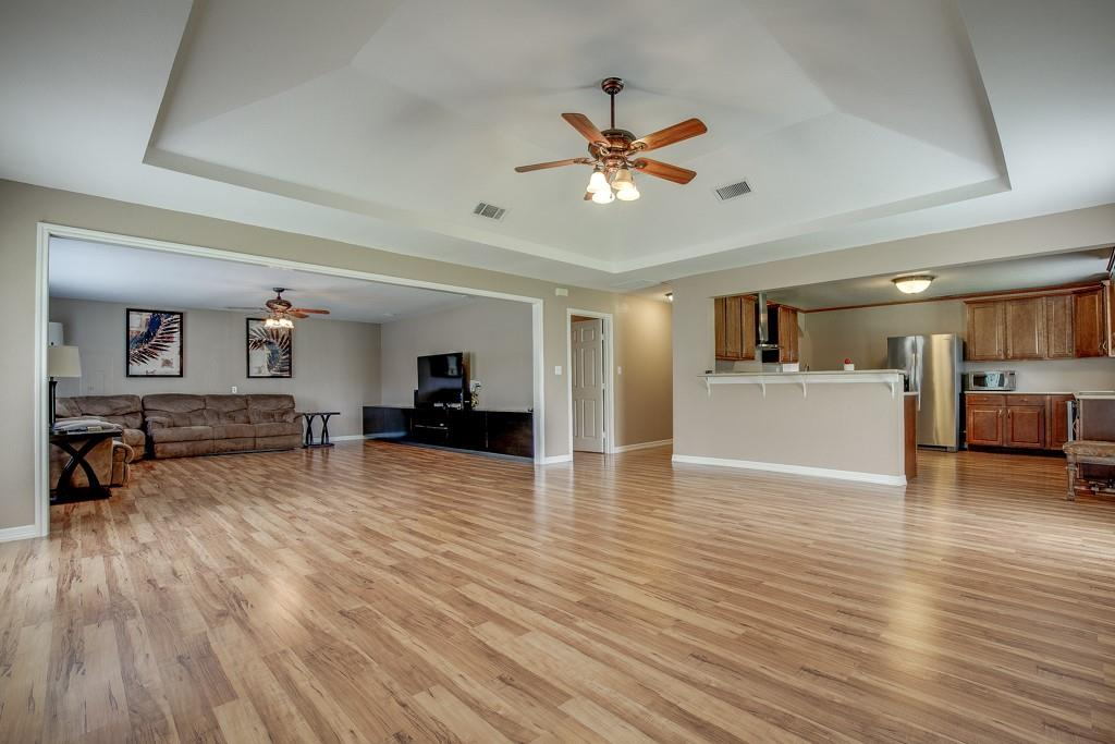 746 Elsberry  Avenue, Dallas, Texas 75217 - Acquisto Real Estate best plano realtor mike Shepherd home owners association expert