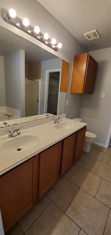 2324 Lookout  Lane, Denton, Texas 76207 - acquisto real estate best park cities realtor kim miller best staging agent