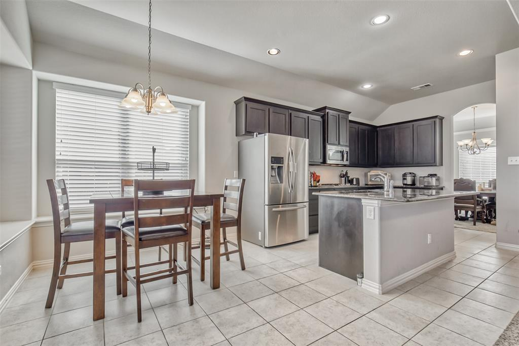 201 Brentwood  Drive, DeSoto, Texas 75115 - acquisto real estate best new home sales realtor linda miller executor real estate