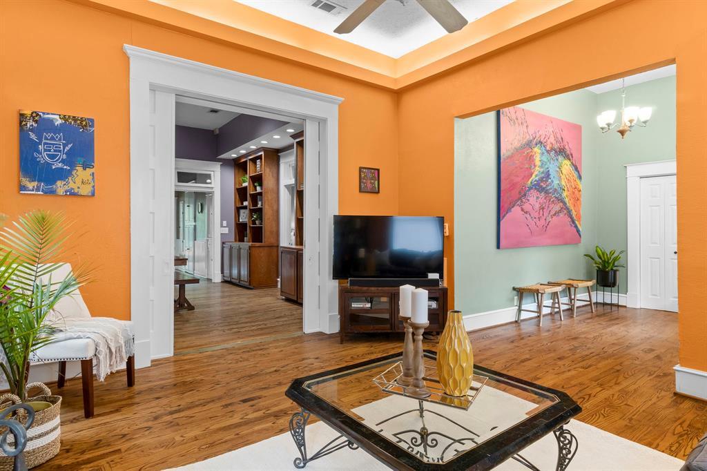 5511 Victor  Street, Dallas, Texas 75214 - acquisto real estate best highland park realtor amy gasperini fast real estate service