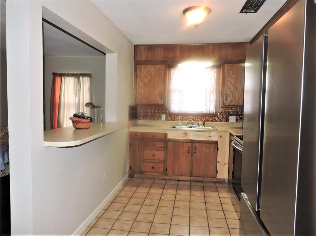 1508 Martha  Street, Bowie, Texas 76230 - acquisto real estate best real estate company in frisco texas real estate showings