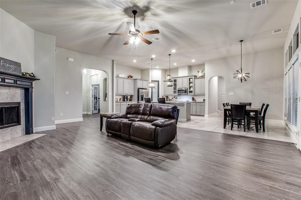 3831 Karen  Road, Midlothian, Texas 76065 - acquisto real estate best prosper realtor susan cancemi windfarms realtor