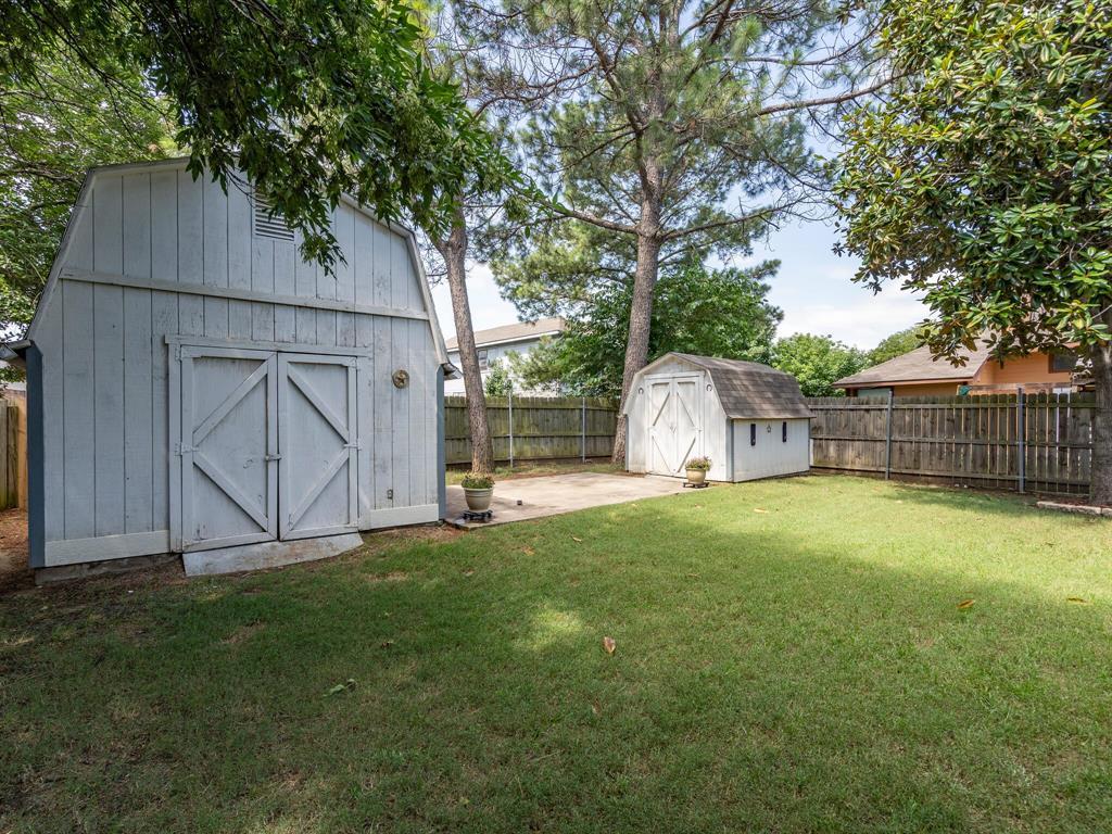 210 Mahogany  Drive, Arlington, Texas 76018 - acquisto real estate best realtor dfw jody daley liberty high school realtor