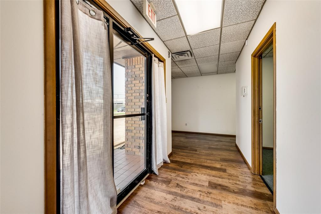 7451 Chapel  Avenue, Fort Worth, Texas 76116 - acquisto real estate best real estate company to work for