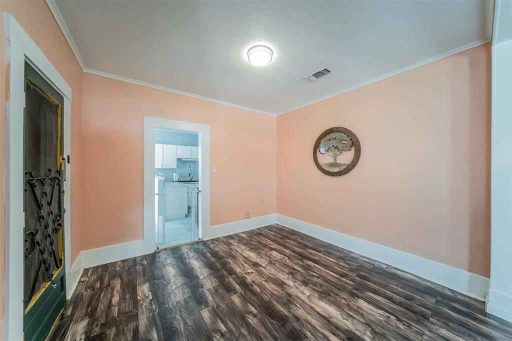 114 Scurlock  Avenue, Cleburne, Texas 76031 - acquisto real estate best prosper realtor susan cancemi windfarms realtor