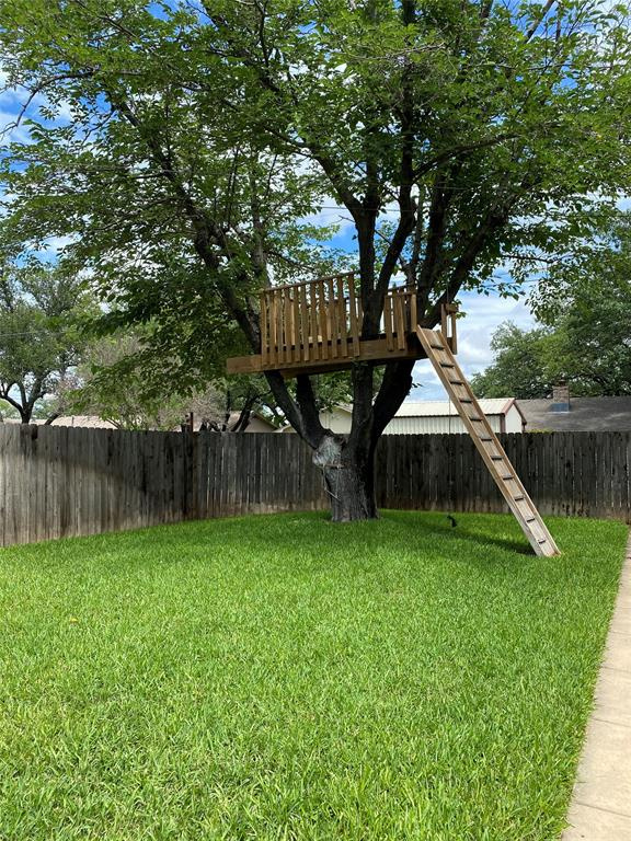 2103 High  Street, Brady, Texas 76825 - acquisto real estate best frisco real estate broker in texas for high net worth buyers