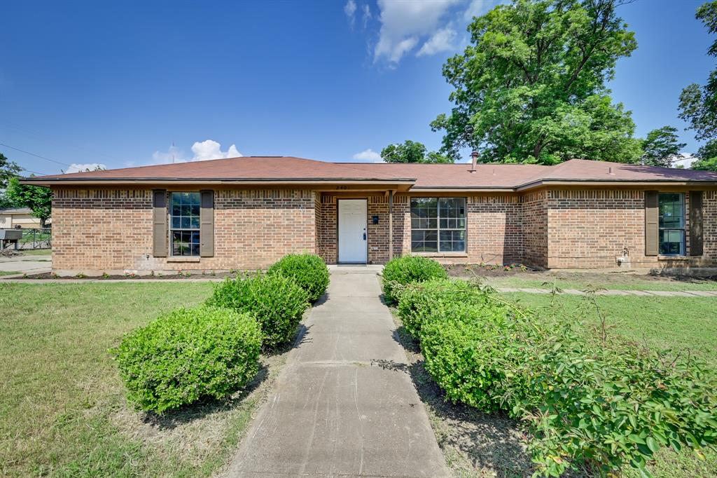 2401 Ben  Avenue, Fort Worth, Texas 76103 - Acquisto Real Estate best plano realtor mike Shepherd home owners association expert