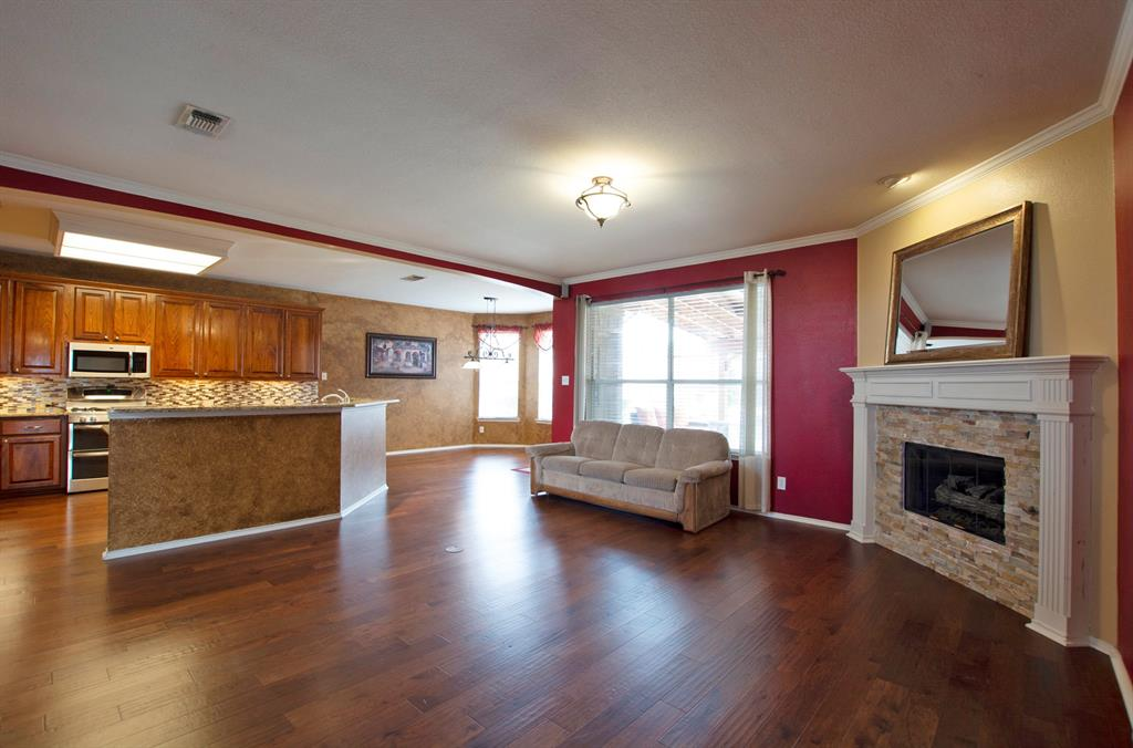 1701 Hill Creek  Drive, Garland, Texas 75043 - acquisto real estate best photos for luxury listings amy gasperini quick sale real estate