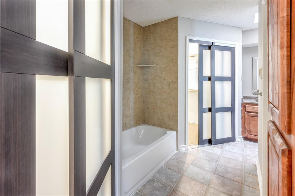 1025 Hills  Terrace, Saginaw, Texas 76179 - acquisto real estate best luxury buyers agent in texas shana acquisto inheritance realtor