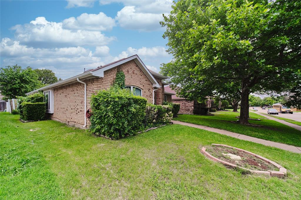 814 Springfield  Drive, Cedar Hill, Texas 75104 - acquisto real estate best frisco real estate broker in texas for high net worth buyers