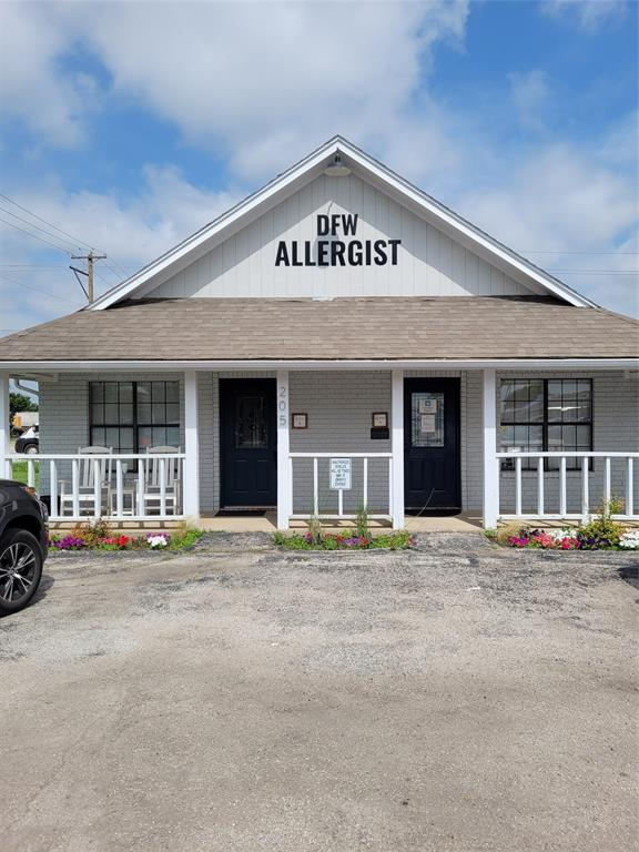 205 Oak  Street, Roanoke, Texas 76262 - Acquisto Real Estate best plano realtor mike Shepherd home owners association expert