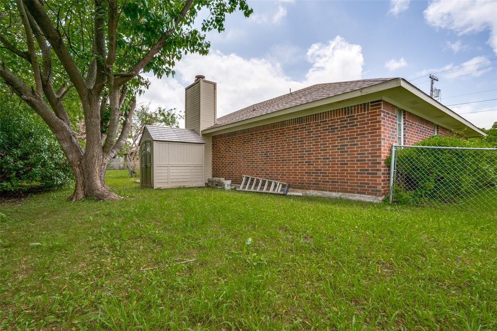 3016 Eastland  Avenue, Greenville, Texas 75402 - acquisto real estate best realtor dallas texas linda miller agent for cultural buyers
