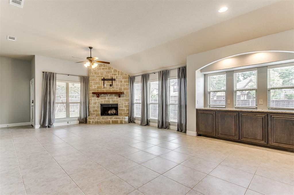 1000 Tarragon  Drive, Burleson, Texas 76028 - acquisto real estate best frisco real estate broker in texas for high net worth buyers